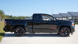 2022 GMC Syclone Pictures