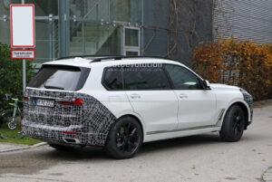 2022 BMW X7 Wallpaper
