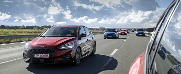 2023 Ford Courier Images